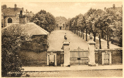 hertford-christs-hosp-gates-frith