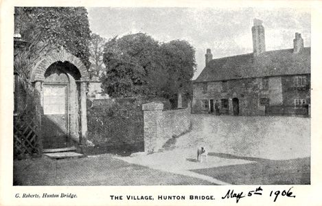 hunton-bridge-the-village