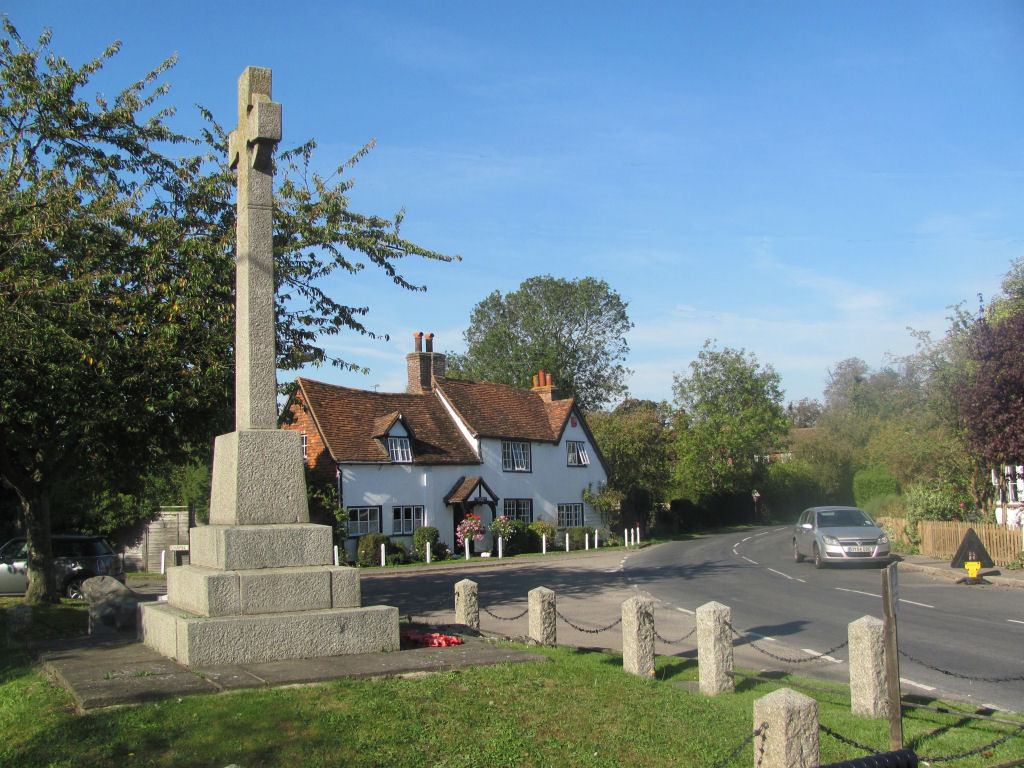 Long Marston, Hertfordshire, War Memorial