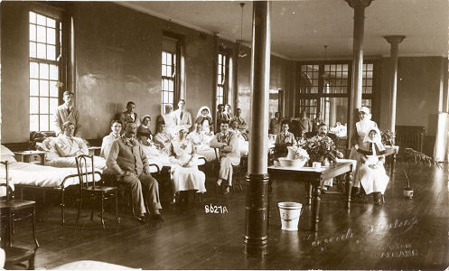Patients at Napsbury Military Hospital, early 1918