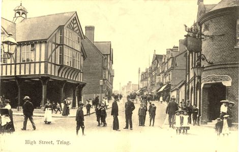 tring-high-policeman-people
