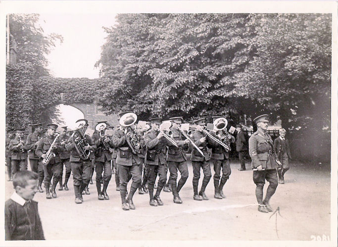 WW1 1/8th Hampshire Regiment by gates of Cassiobury Park, Watford, 1915,  photographer H R Cull